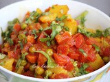 Gajar aloo ki sabzi / carrot peas potato vegetable / gajar matar aloo sabzi