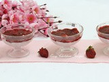 Strawberry mousse / eggless strawberry mousse / no gelatin strawberry mousse