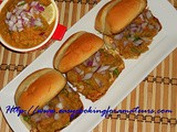 Pav Bhaji/Buns With Spicy Mashed Vegetables