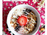 Strawberry Almond Smoothie Bowl – Vegan & Gluten-free