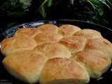 Homemade Dinner Rolls (Indian Pav Buns)