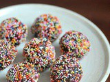 Chocolate biscuit balls recipe, no bake step by step
