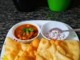 Channa Bhatura (Chole Bhature)