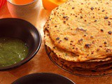 A Fresh Twist on the Boring Kaddu (Pumpkin Multigrain Flatbread / Kaddu Ke Thalipeeth)