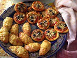 Mini-pizzas with tuna or anchovies, a Moroccan favourite