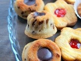 Mini tigrés financiers with chocolate filling: cute indulging almond petits-fours
