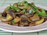 Mushroom and Green chilli Saute