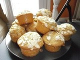 Muffins with coconut flavour