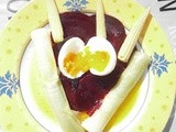 Salad with leek, beetroot, medium-boiled egg and mini corn ears