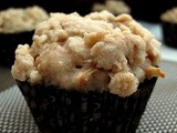 Apple Cinnamon Crumble Muffins - Twelve Loaves