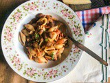 Pasta shells with Borlotti beans
