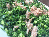 Quick parsley, tuna and almond salad