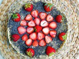 No-Bake Vegan Poppy Seed Cheesecake with Strawberries