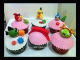 Angry Birds Seasons: Angry Birds Christmas Cupcakes