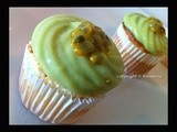 Avocado Ogura Cakes with fresh Passion Fruits