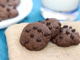 Eggless Whole Wheat Chocolate Chips Cookies