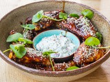 Sticky chicken wings met 7PK en versekaasdip