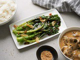 Chinese Broccoli with Oyster Sauce (Gai Lan Recipe)