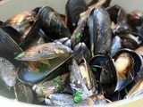 Mussels With The Most Wonderful Garlicky White Wine Broth