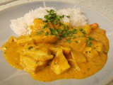 Malay style chicken & peanut curry - silky, spicy and delicious