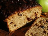 Apple, pepper and cinnamon loaf cake
