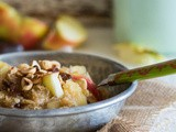 Apple pie porridge with quinoa flakes