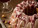 Christmas bundt with spelt and chestnut flour