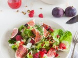 Fresh fig salad with raspberries, pistachio and goatcheese