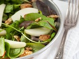 Goatcheese salad with walnuts and pear