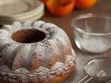 Spicy cake with persimmon