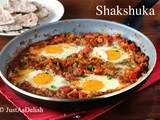Shakshuka (Eggs Poached in Tomato Sauce) – My new favourite Brunch