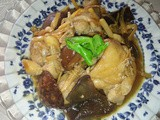 Braised chicken with lily buds and mushrooms