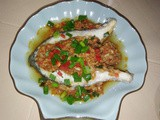 Steamed fish with chilli taucheo