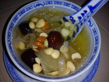 Thermal cooker - pears, white fungus sweet dessert