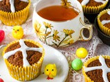 Easter Hot Cross Bun Cupcakes (+Video!)