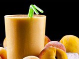 Apple Peach and Basil Smoothie Recipe