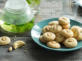 Lebanese butter cookies (ghraybeh) recipe