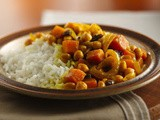 Moroccan Garbanzo Beans with Raisins Recipe