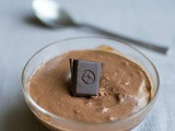 Gingerbread chocolate mousse - eggless mousse
