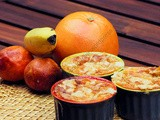 Flan aux pamplemousses, oranges sanguines, bananes et streusel / Grapefruit, Blood Orange, Banana and Streusel Flan