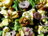 Salade de mâche aux pommes, noix et fromages / Apple, Walnut and Cheese Lamb Lettuce Salad