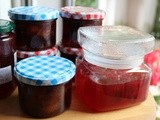 Preparing for winter: Plum jam with black pepper