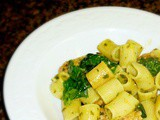 Food Network's Spinach Pesto Pasta with Chicken Sausage