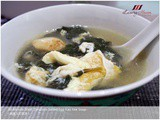 30-Minute Meal: Delicious Salted Egg Kau Kee Soup ( 咸蛋九杞菜汤 )