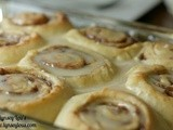 Db: Roasted Banana Cinnamon Rolls with Maple Frosting