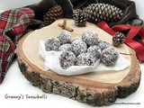 Snowballs – No Bake, Coconut, Raisin & Chocolate Bites