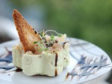 Forellen-Tartar auf Avocadocreme | Trout Tartar with Avocadocream