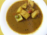 Potatoes in roasted coriander seed gravy (Aloo Masala Curry)