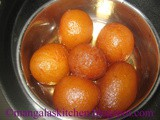 Gulab Jamun Sweet Recipe - How to make Soft Spongy Gulab Jamuns