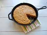 Whole-grain skillet corn bread
